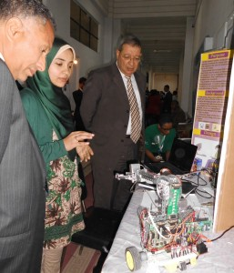 Mayar explaining her project to Judges at ISEF Science fair 2013