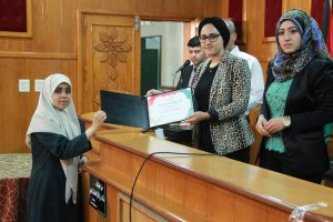 Shatha Abuelaish honoring one of the students